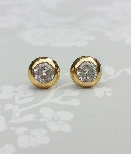9ct Yellow Gold 5mm Round Doughnut Cubic Zirconia Stud Earrings