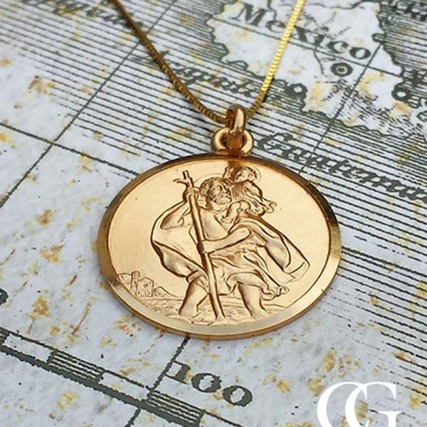 beautiful 9ct gold st christopher necklace for men women. Black Bedroom Furniture Sets. Home Design Ideas