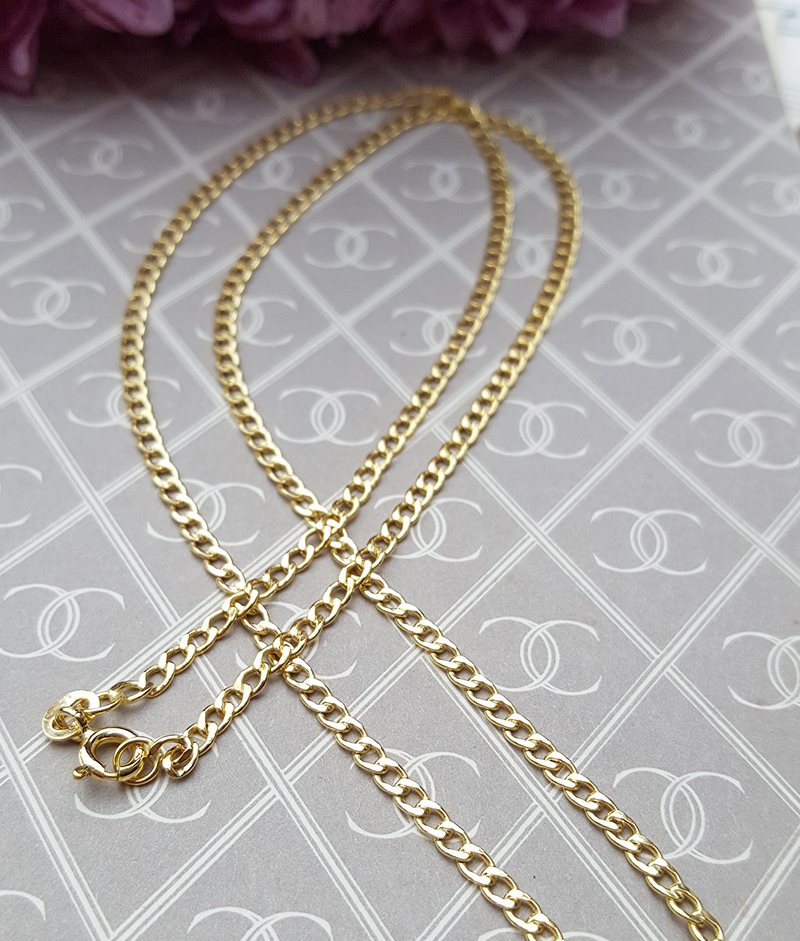 9ct Yellow Gold Curb 2 2mm Chain Necklace 16
