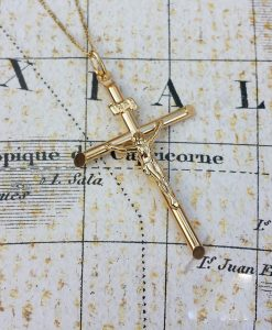 Large 9ct Yellow Gold Crucifix Pendant & Chain