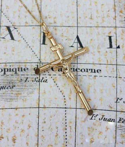 Large 9ct Yellow Gold Crucifix Pendant & Chain