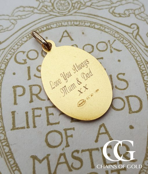 9ct Yellow Gold Oval St Christopher Pendant Necklace