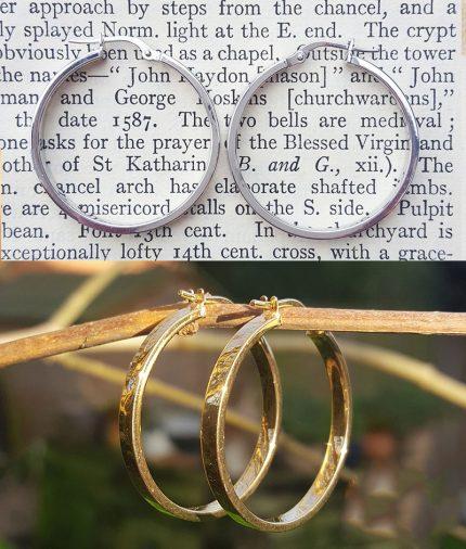 9ct Gold 3cm Hoop Earrings in White or Yellow