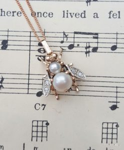 Bridal vintage pendant