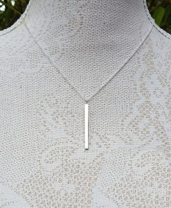 Vertical bar necklace in silver