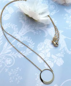 Open disc pendant necklace in solid 9ct yellow gold