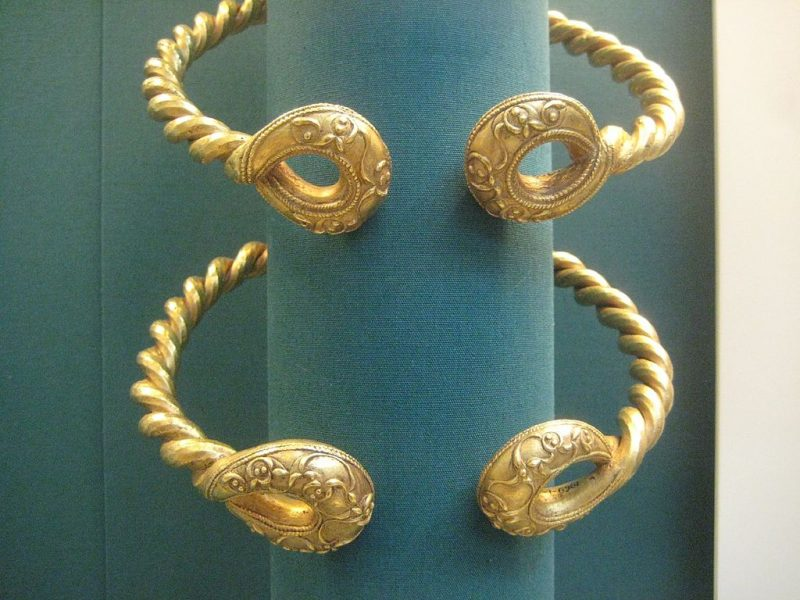 Iron age neck torcs discovered in Ipswich