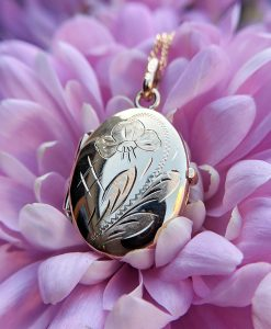 9ct Yellow Gold Engraved Oval Flower Locket Necklace