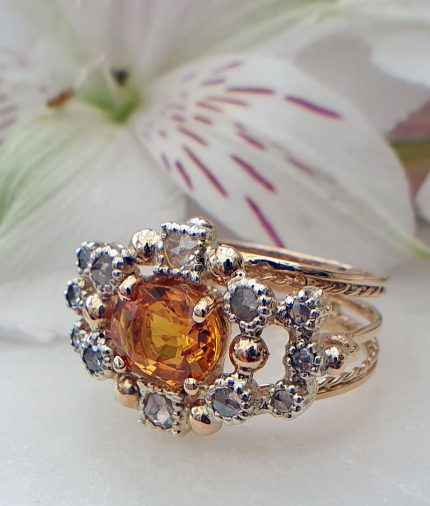 Vintage Natural 2cts Sapphire 14ct Yellow Gold Sapphire Ring with Diamond