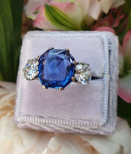 118ct White Gold Sapphire and Diamond trilogy ring