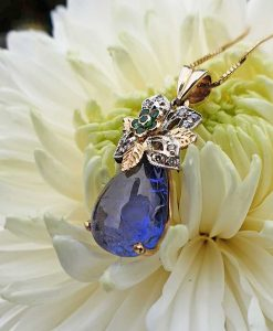 Vintage Inspired 14ct Yellow Gold Blue Tanzanite & Diamond Necklace