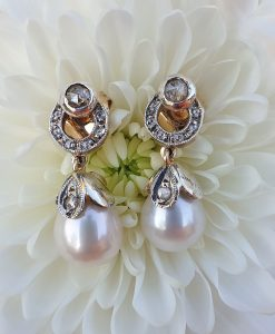 14CT yellow gold diamond and freshwater pearl earrings