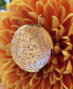Vintage English Locket in 15ct gold